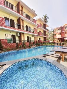 The swimming pool at or close to Mariners Bay Suites