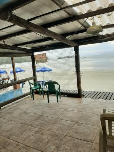 The fitness center and/or fitness facilities at Encantadas Ilha do Mel- Beira Mar Merlin