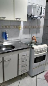 Una cocina o zona de cocina en Residencia Ponta da Barra