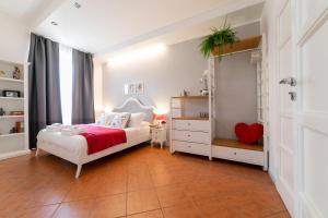 Postel nebo postele na pokoji v ubytování *****AmoRhome***** New Luxury apartment in the heart of Rome