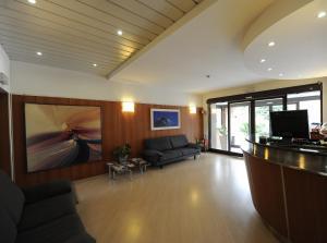 Hall o reception di Corvetto Residence Porto Di Mare
