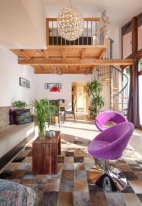 The lobby or reception area at Apartments Pri nas