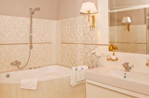 Ein Badezimmer in der Unterkunft Luxus-Residenz Alexado