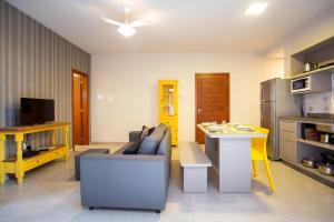 A seating area at Barra Holiday Apartamentos