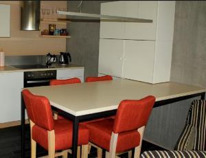 Köök või kööginurk majutusasutuses Kaluri Residence