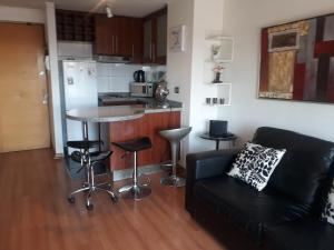 Una cocina o zona de cocina en Las Condes, Apartmentos , Parque Arauco , Manquehue,