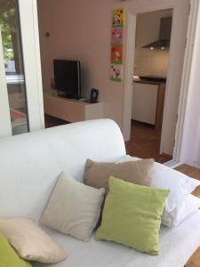 A seating area at Apartment Cristian