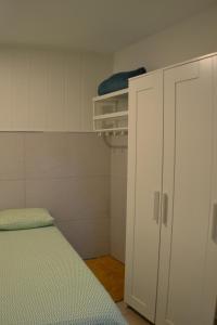 Ein Badezimmer in der Unterkunft Studio Low Cost Lavapies