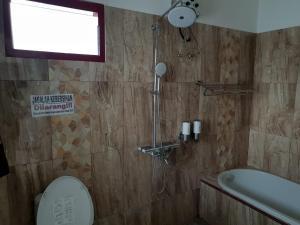 A bathroom at Villa batu malang