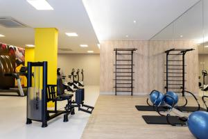 The fitness center and/or fitness facilities at 360 Suites Downtown Sé