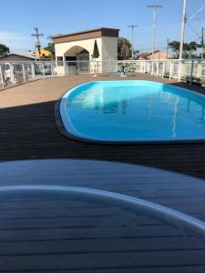 The swimming pool at or near Ap Iuri