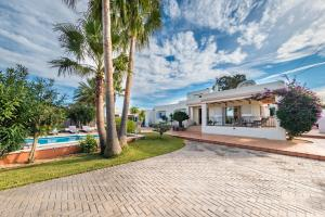 The swimming pool at or near Can Petrus PERFECTA PARA FAMILIAS