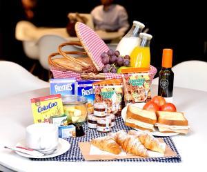 Frukostalternativ för gäster på Apartments Sixtyfour