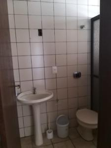 Un baño de Amplo Sobrado em Ingleses
