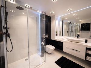 Vonios kambarys apgyvendinimo įstaigoje Rister Apartments