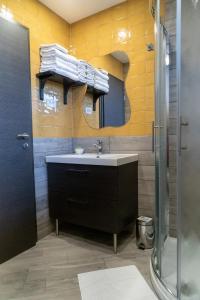 A bathroom at Apartments Helena Kranjska Gora