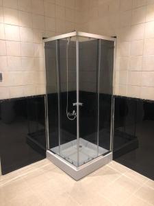 A bathroom at نزل مينا 110