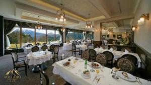 Reštaurácia alebo iné gastronomické zariadenie v ubytovaní Apartman Majami 703 - Hotel Residence Donovaly
