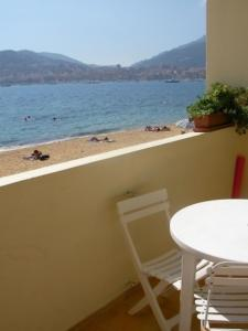 A balcony or terrace at Appartement Corse Azur