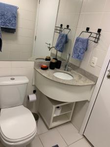 A bathroom at Fusion SHN Flat de luxo - Melhor localização de Brasília