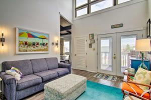 A seating area at Bright Condo w/Balcony - Walk to Dewey Beach!