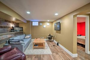 A seating area at Sunnyside Apartment 3 Mi. to Downtown Denver!