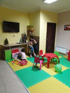 Children staying at GRAND MONASTERY Hotel Apartments