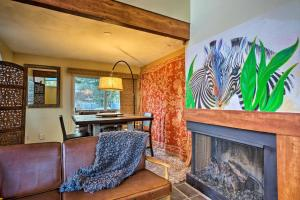 A seating area at Historic Creekside Escape: Walk to Broadmoor!