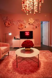 A seating area at Resolution Suite: Recommit to Romance