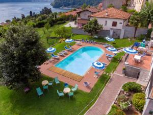 A view of the pool at Residence Celeste or nearby