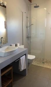 A bathroom at Casa S'Olibassa