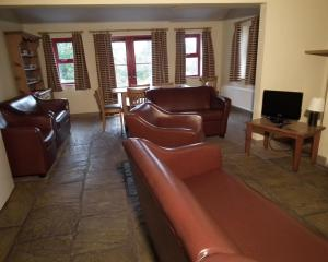 A seating area at An Creagán Self Catering Cottages