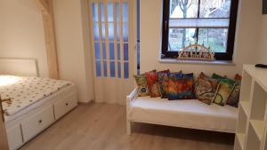 Ein Sitzbereich in der Unterkunft Ferienwohnung Aronia Garten