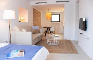 A seating area at Gaviota - Formentera Vacaciones Adults Only