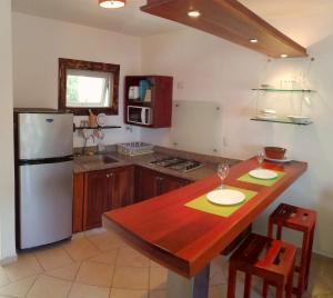 A kitchen or kitchenette at Dulce Vida Cabarete