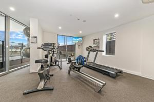 The fitness center and/or fitness facilities at The Capitol Apartments