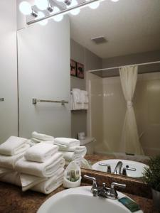 A bathroom at Canadian Rockies Chalets