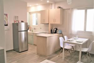 A kitchen or kitchenette at Cozy studio downtown Athens/Kolonaki