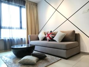 A seating area at I City Residence, 2 Bedroom 4-6 Pax unit, Walking to Theme n Water Park & Shopping Mall
