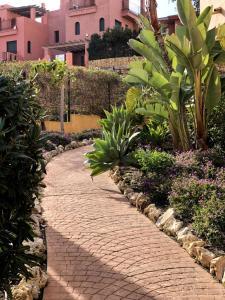 Jardín al aire libre en Duquesa Village Seaview Costa del Sol
