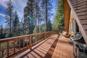 A balcony or terrace at Heavenly Daze