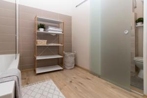 Ein Etagenbett oder Etagenbetten in einem Zimmer der Unterkunft Charming apartment close to city centre