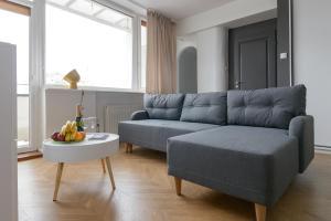 Część wypoczynkowa w obiekcie Lovely flat with parking, strict center