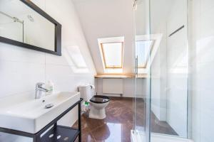 A bathroom at Apartamenty Prima