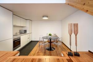A kitchen or kitchenette at Condes de Azevedo Palace Apartments