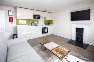 A kitchen or kitchenette at Charlotte Rise