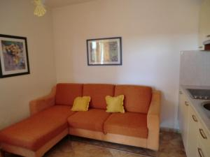 A seating area at Apartment Popović