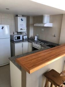 Una cocina o kitchenette en Aparts del Sur