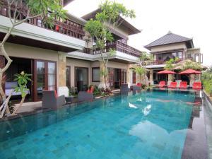 A piscina localizada em Uma Stana Villa ou nos arredores