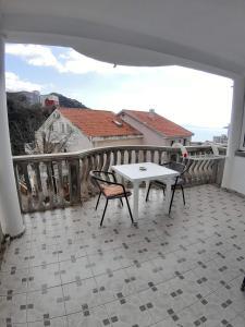 A balcony or terrace at Apartments Kuljaca